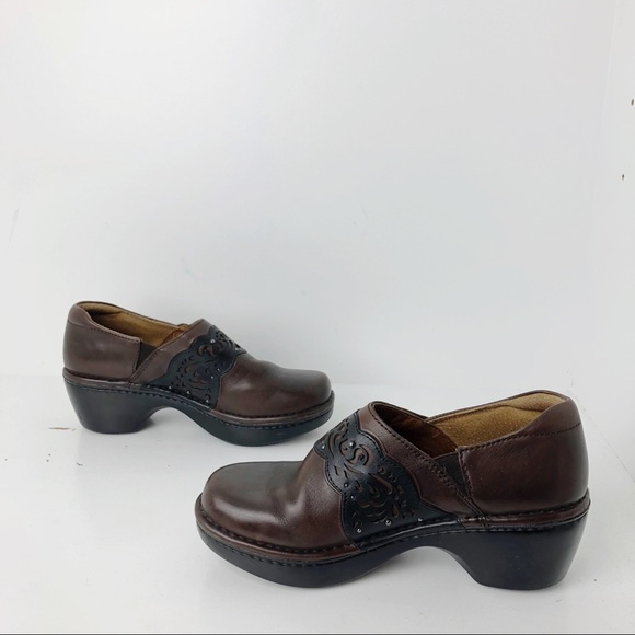 fa2ece34df0 Ariat Shoes - Ariat Tambour brown leather slip-on clogs